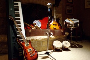 The Kevin Mitchell 4's instruments.
